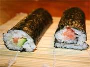 Maki Sushi fertig gerollt