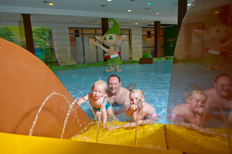 Schwimmbad Neumünster bad am stadtwald in neumünster freizeit und sportbad plus freibad